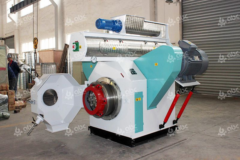 Which type of pellet mill to choose for making feed pellets?